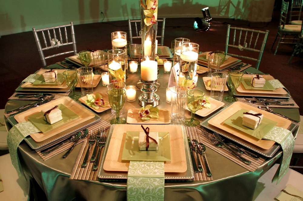 Stunning-green-ivory-gold-chocolate-brown-wedding-reception-tablescape.full