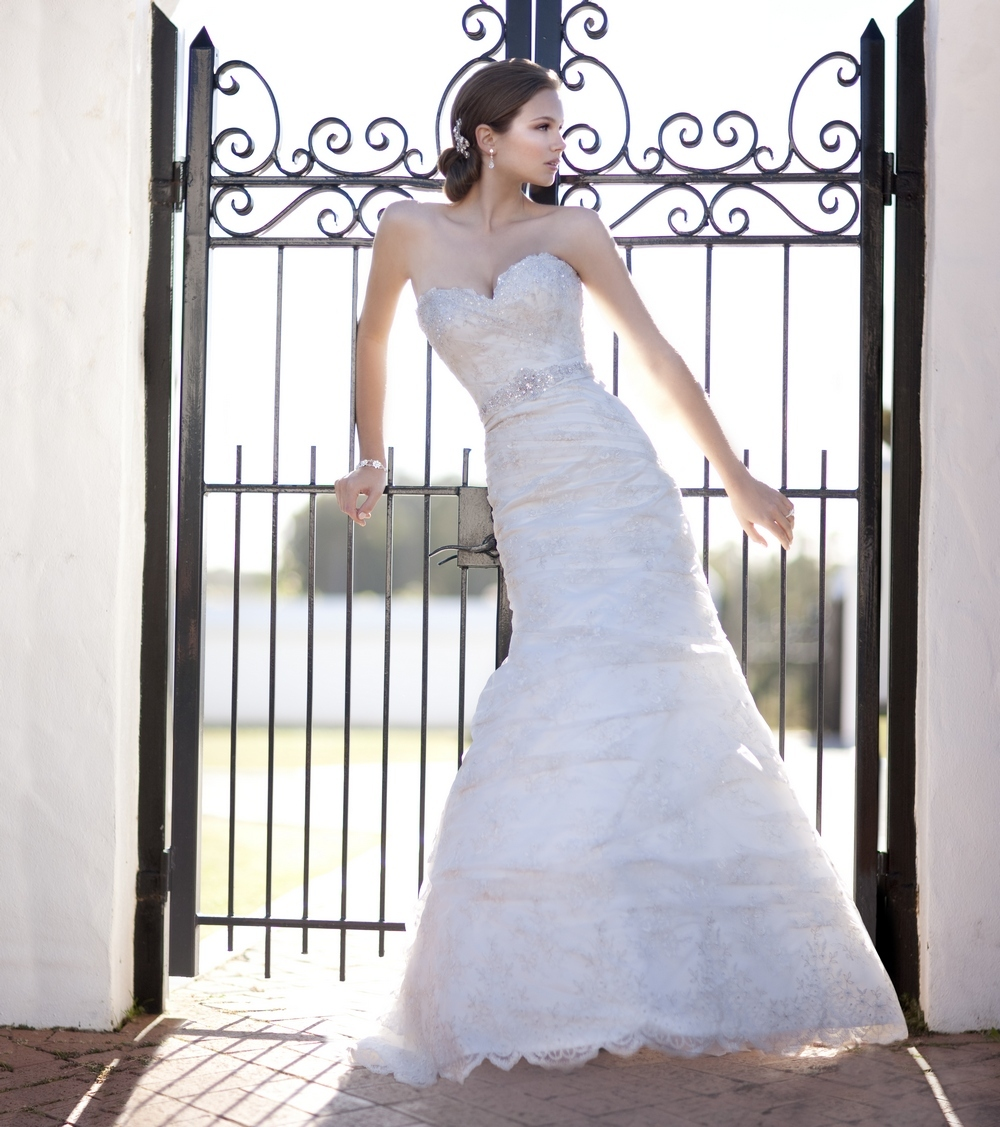 Sweetheart neckline lace wedding dress with jeweled belt