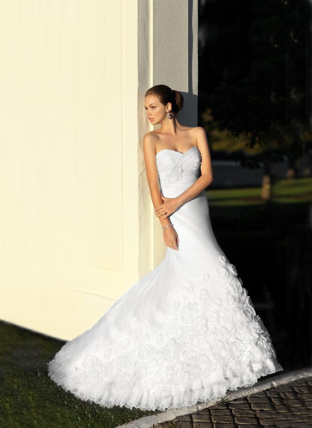 White strapless wedding dress with trumpet skirt covered for Trumpet skirt wedding dress