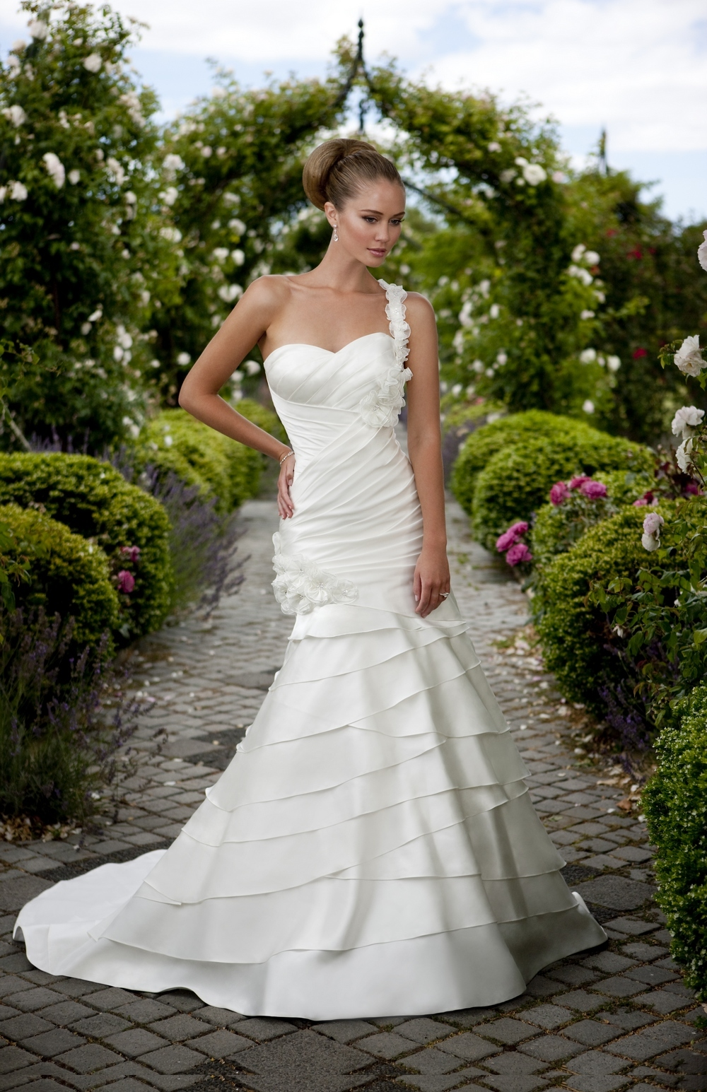 Essense-of-australia-wedding-dresses-2010-2011-d1101.full