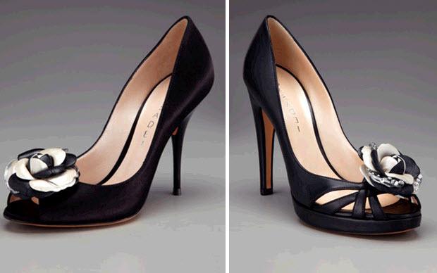 Open-toe-black-bridal-heels-with-black-white-floral-brooch-peep-toe-high-heel.full