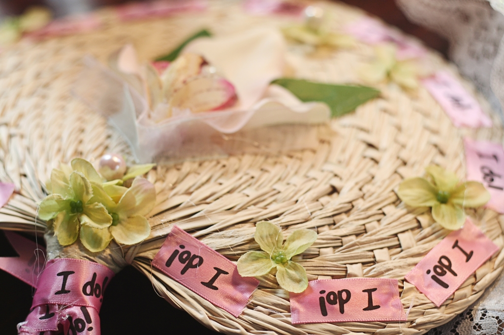 I-do-straw-fans-for-wedding-guests-pink-green.full