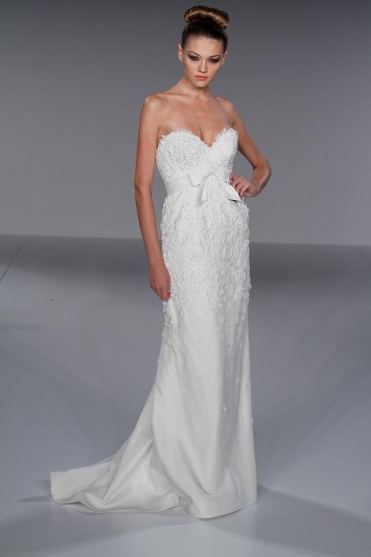 White-lace-sheath-style-sweetheart-neckline-wedding-dress.full