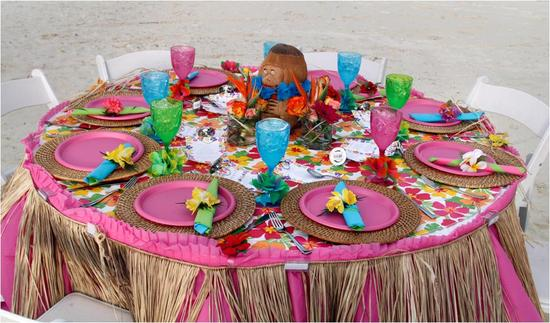 Create this beautiful pink paradise luau-themed rehearsal dinner tablescape on the cheap!