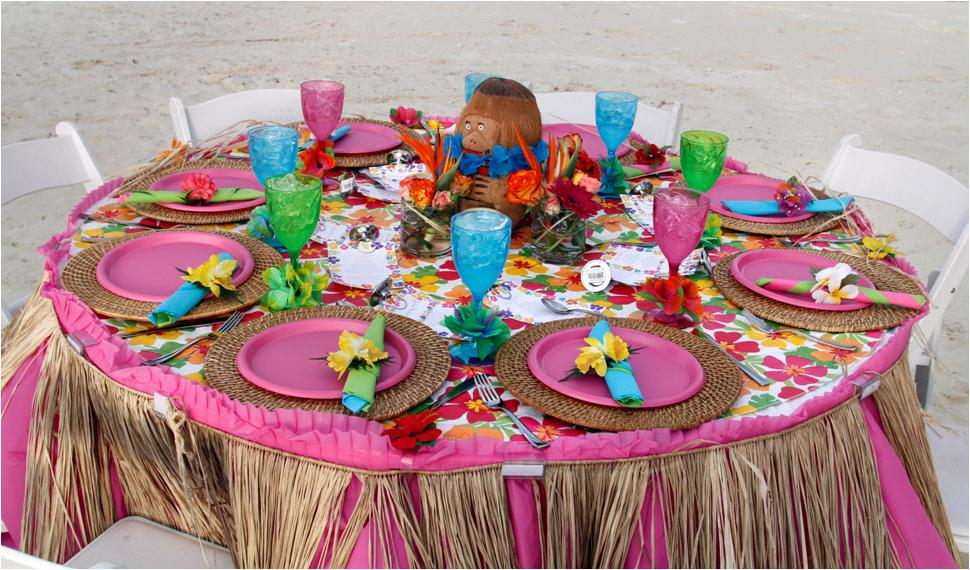 Create This Tropical Destination Wedding Tablescape In 10 Easy