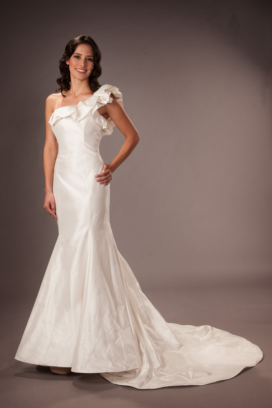 Romona Kevenza RK931 Wedding Dress