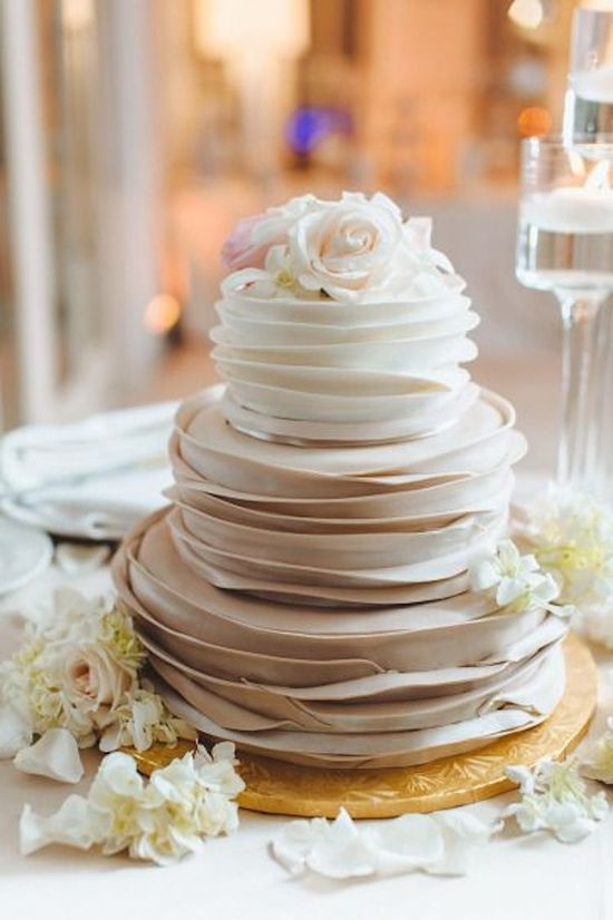 Ombre Layered Cake in Champagne Hue