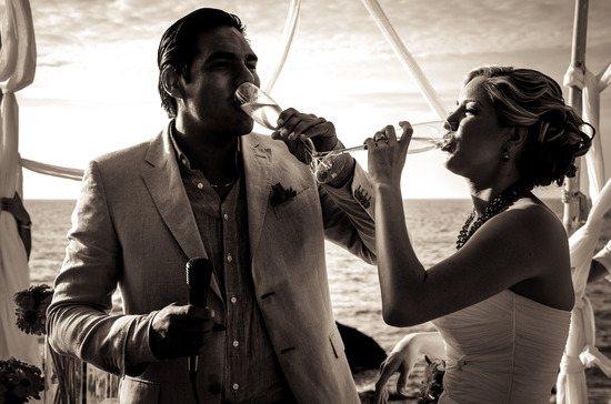 Puerto_vallarta_wedding_toast