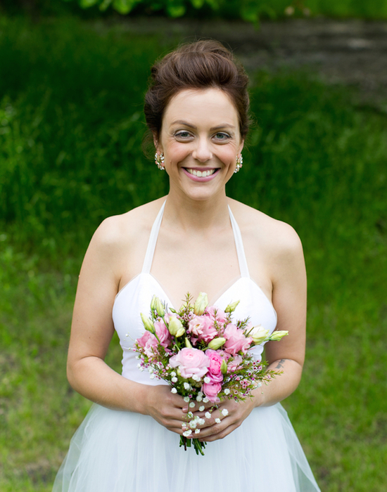 Beautiful Bride with Pink Rose Bouquet