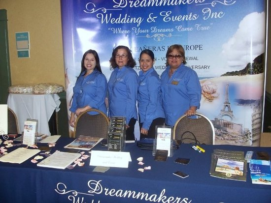 Romina,Annie,Veronica, Cuty. Dreammakers Wedding & Events Staff