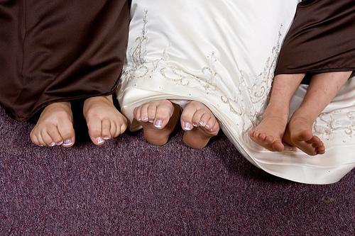 Bridesmaids-bride-coordinating-nail-polish-do-or-dont.full