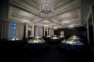 photo of Luxe Downtown Chicago Winter Wedding: How To Get The Look!