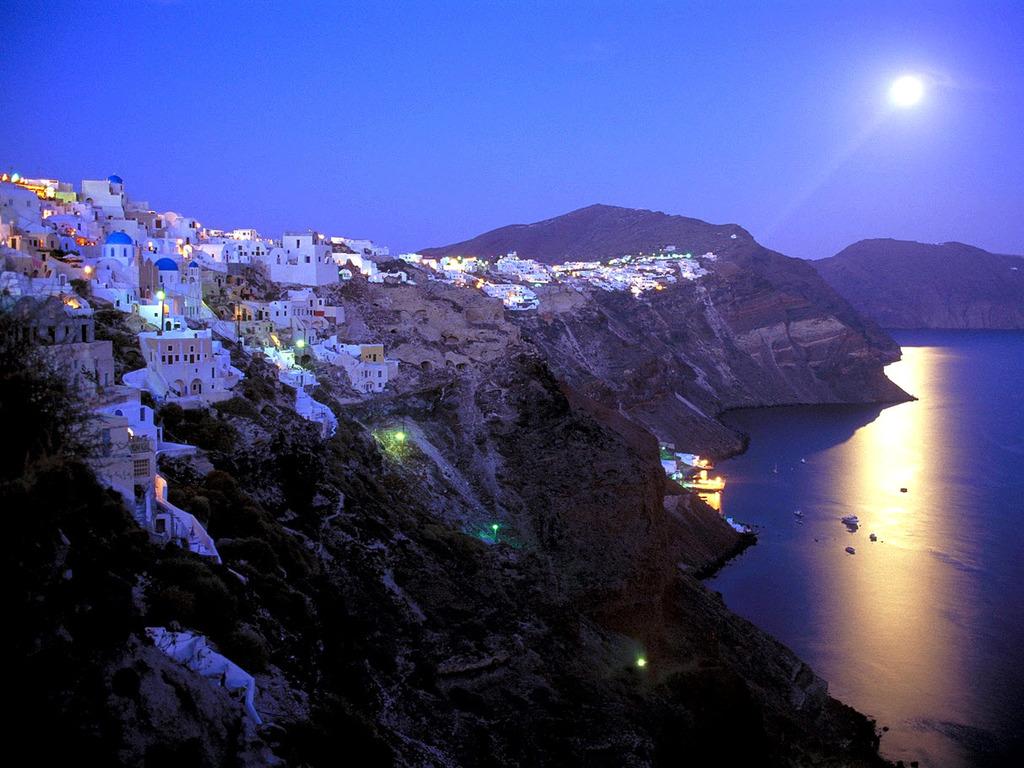 Moonrise-over-santorini-greece-romantic.full
