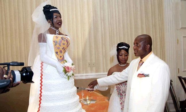 1265689771_bride-cake.full