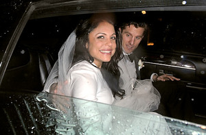 photo of Bethenny Frankel of Real Housewives of NYC: 7-Months Pregnant, Weds At NYC's Four Seasons!