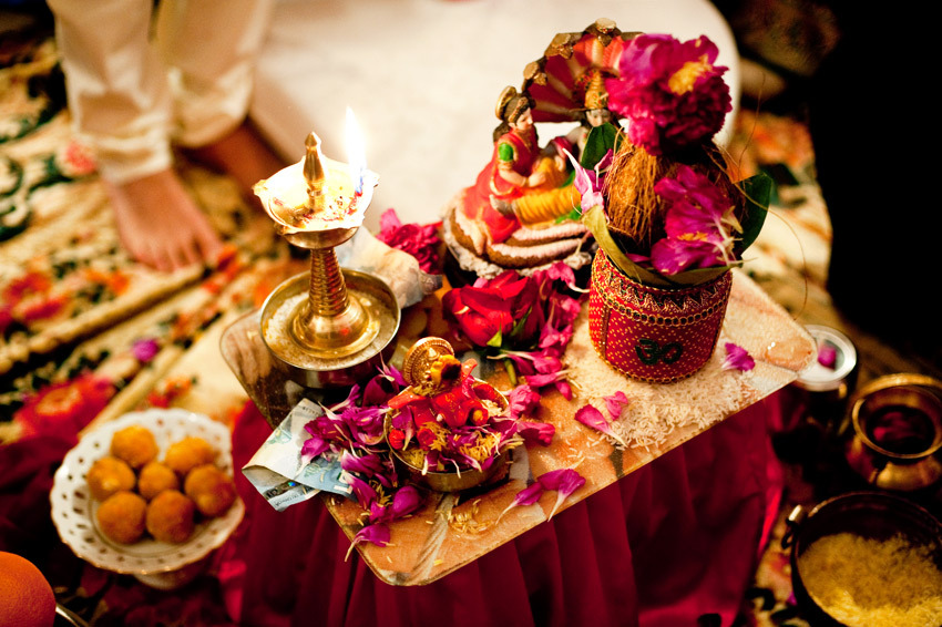 Beautiful-red-gold-gilded-fucsia-ceremony-table-indian-wedding.full
