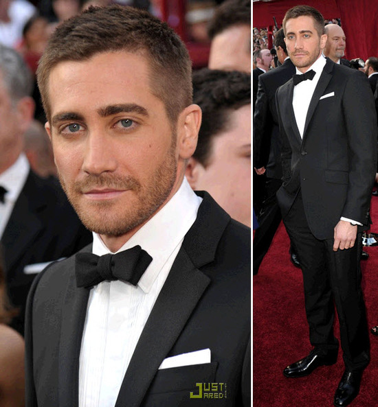 Jake Gyllenhal was red hot on the red carpet, wearing a Burberry tux