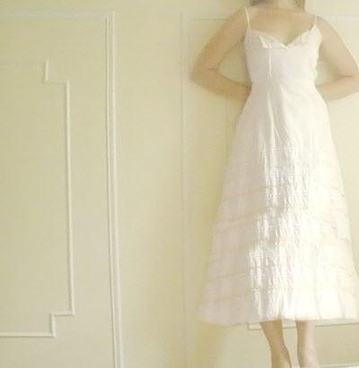 Casually-beautiful-white-tea-length-wedding-dress-simple.full