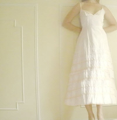 Casually-beautiful-white-tea-length-wedding-dress-simple.original