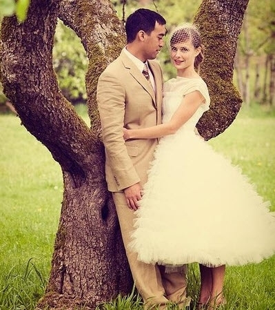 Vintage-inspired tea length tulle wedding dress