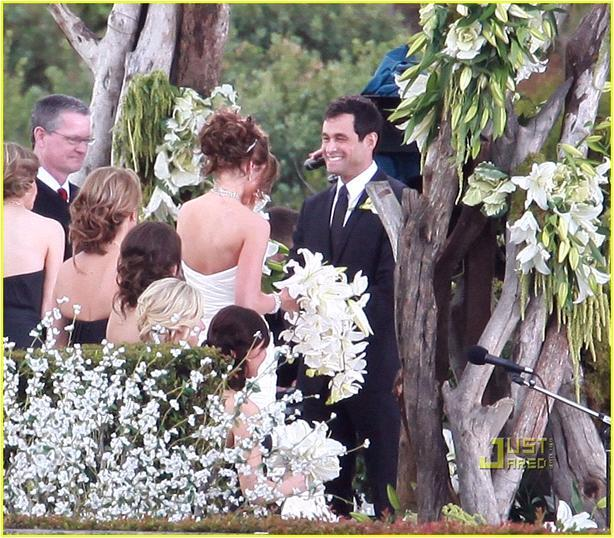 Jason-mesnick-from-the-bachelor-weds-molly-malaney-feb.26-at-terranea-resort.full