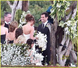 photo of Celebrity Weddings: Bachelor Jason Mesnick Marries Molly Malaney On Saturday!