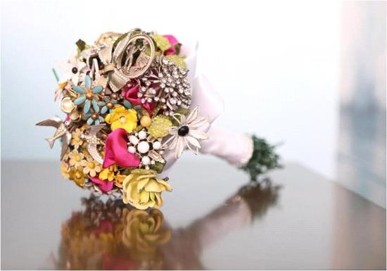 Sweet and romantic vintage-inspired brooch bouquet