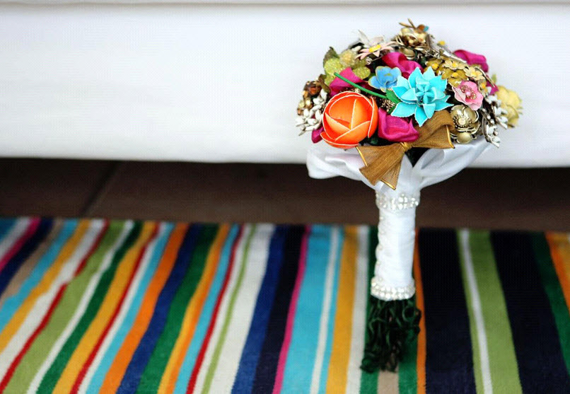 Fantasy-florals-brooch-bridal-bouquets-vintage-chic-colorful-vibrant.full