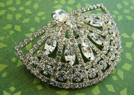 Stunning vintage fan pin brooch with an art deco feel for your wedding