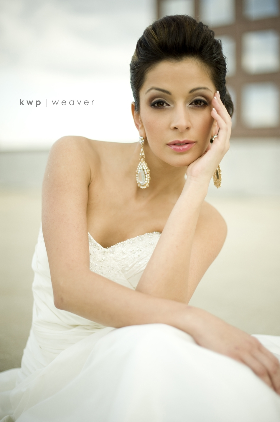 Beautiful and natural bridal makeup- Get the look with the tips below!