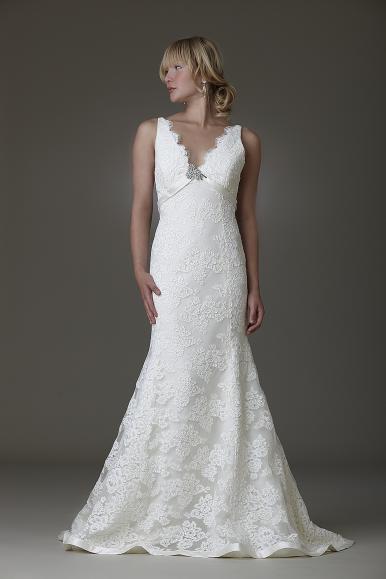 April wedding dress from Amy Kuschel- Lace mermaid silhouette with gorgeous v-neck