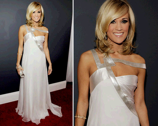 Carrie Underwood wore a gorgeous grecian-inspired dress at the Grammys