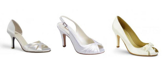 Retro-Inspired bridal shoes with cute pleats and peep toes