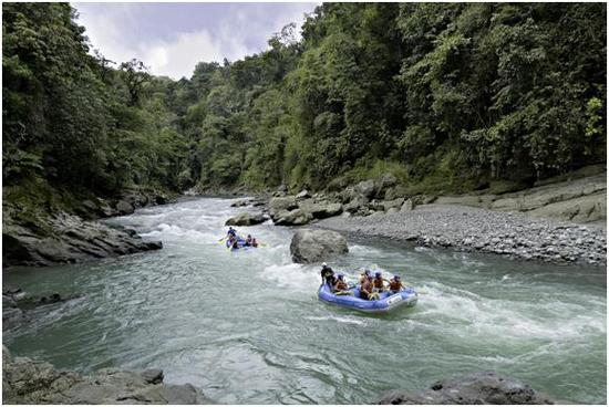 White water raft to your romantic honeymoon destination in Costa Rica
