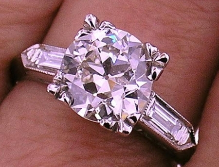 Stunning vintage diamond engagement ring from the 1920's