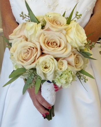 ivory and blush roses