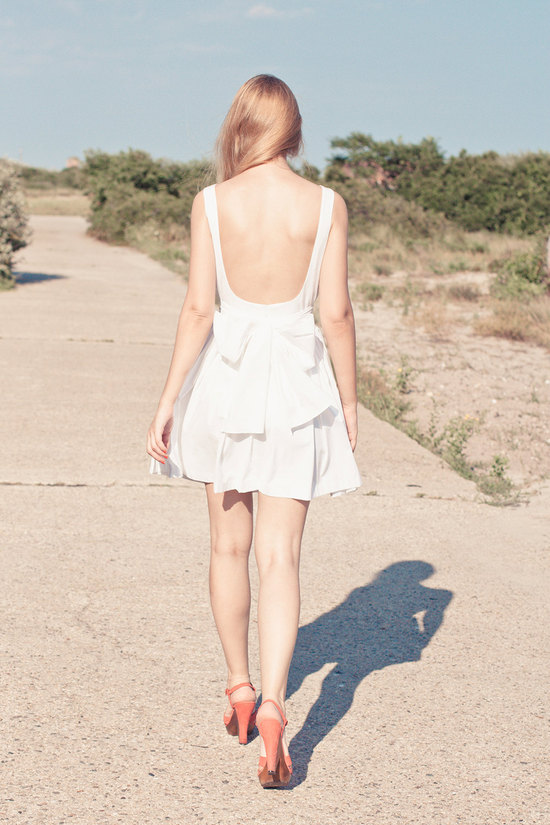 Low back short wedding dress in casual cotton