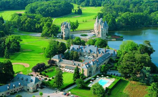 photo of Honeymooning in the French Countryside: A Trip Fit For Royalty!