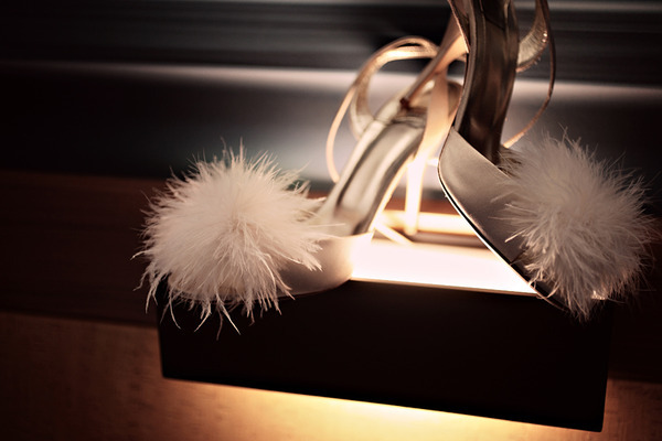 Adorable ivory bridal heels with fluffy feather detail