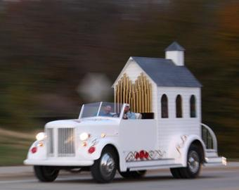 "The ""Best Man""- a wedding chapel on wheels, that makes house calls!"