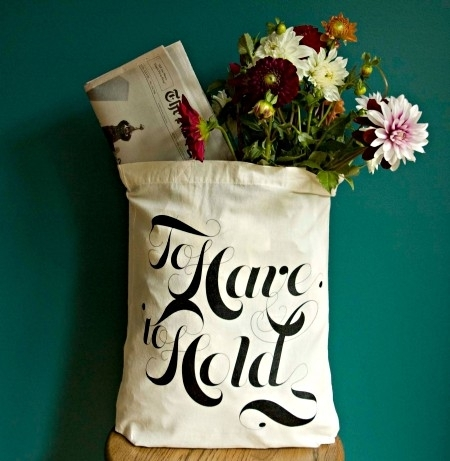 Eco-friendly-wedding-favors-to-have-to-hold-recycled-chic-tote-bag_0.full