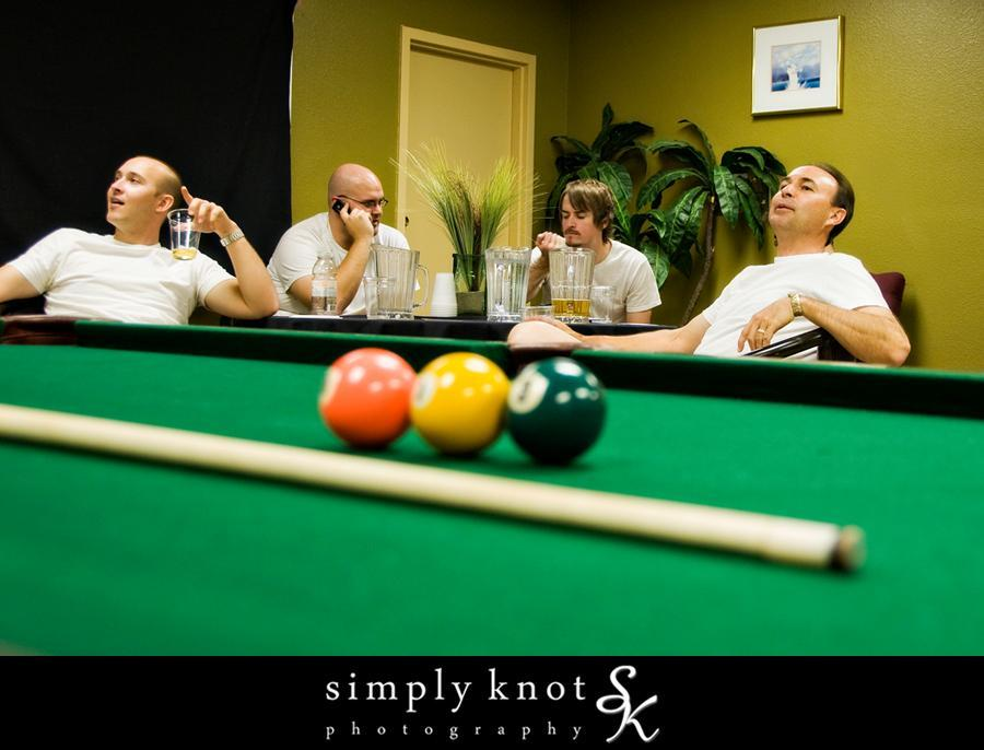 Pool-billiards-at-your-wedding-entertainment-for-the-groom-and-groomsmen.full