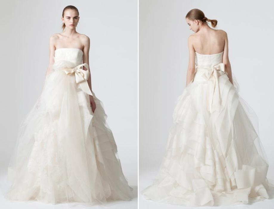 Simple White Strapless Vera Wang Wedding Dress With Sweetheart Neckline And Full A Line Skirt