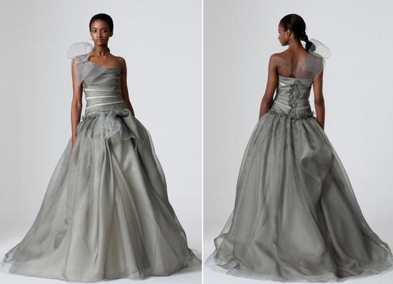 Pewter Vera Wang wedding dress with full a-line-skirt, fitted bodice and oversized bow at one should