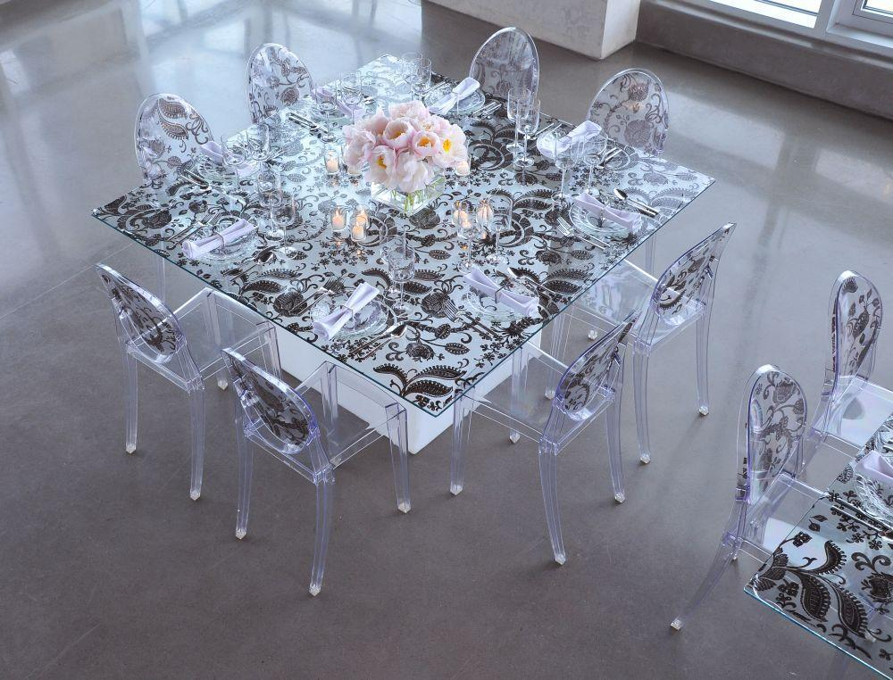 Modern And Sleek Wedding Reception Table, With Black And White Paisley  Pattern And Light Pink Roses