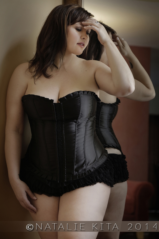 plus sized boudoir full figured sexy photo shoots glamour photography