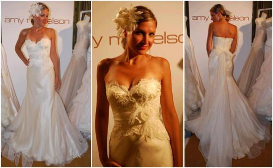 Beautiful sweetheart neckline ivory lace wedding dress, in buttercream