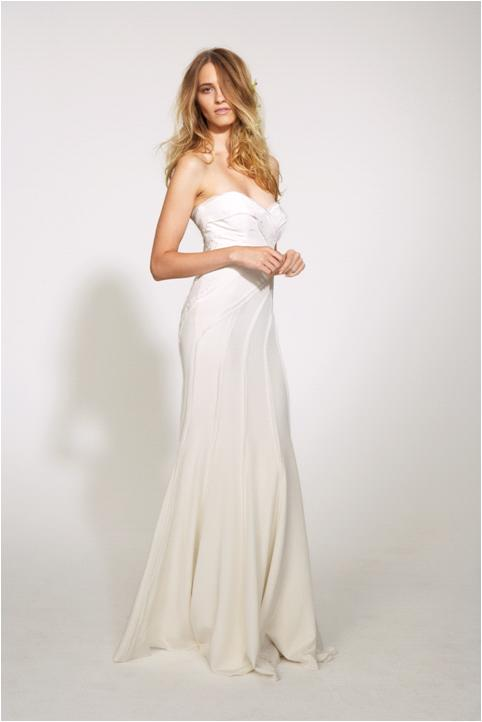 Modern feminan sweetheart strapless neckline wedding for Nicole miller strapless wedding dress