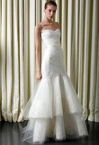 Beautiful Monique Lhuillier ivory wedding dress- sweetheart neckline in lace, two tier tulle skirt