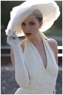 White horsehair picture hat wrapped in tulle